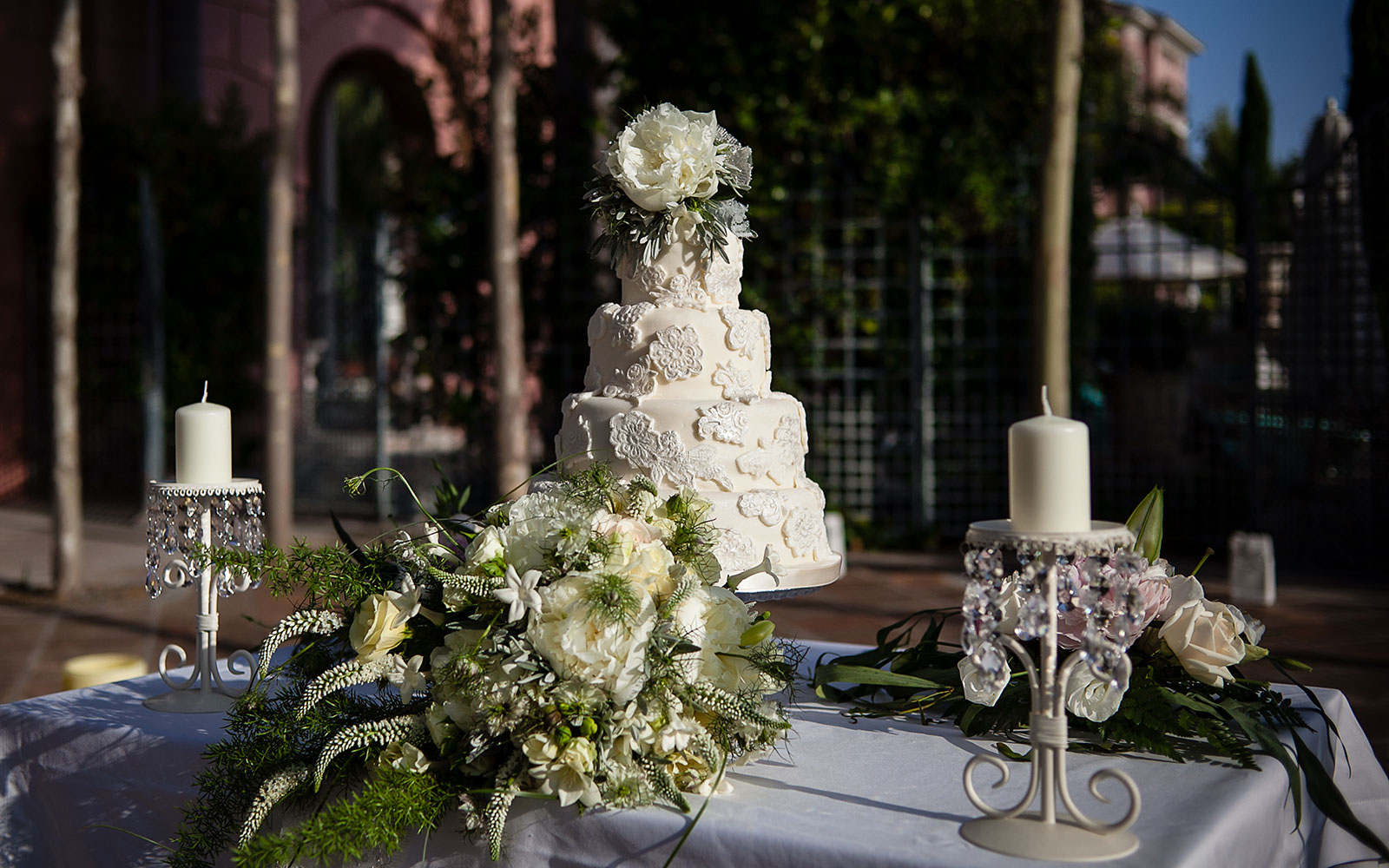 wedding-cake-flowers-photo-marbella-villa-padierna